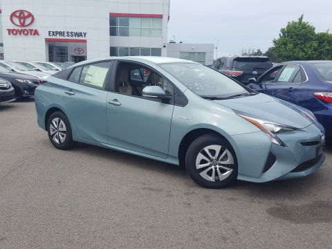 New 2016 Toyota Prius Three With Navigation