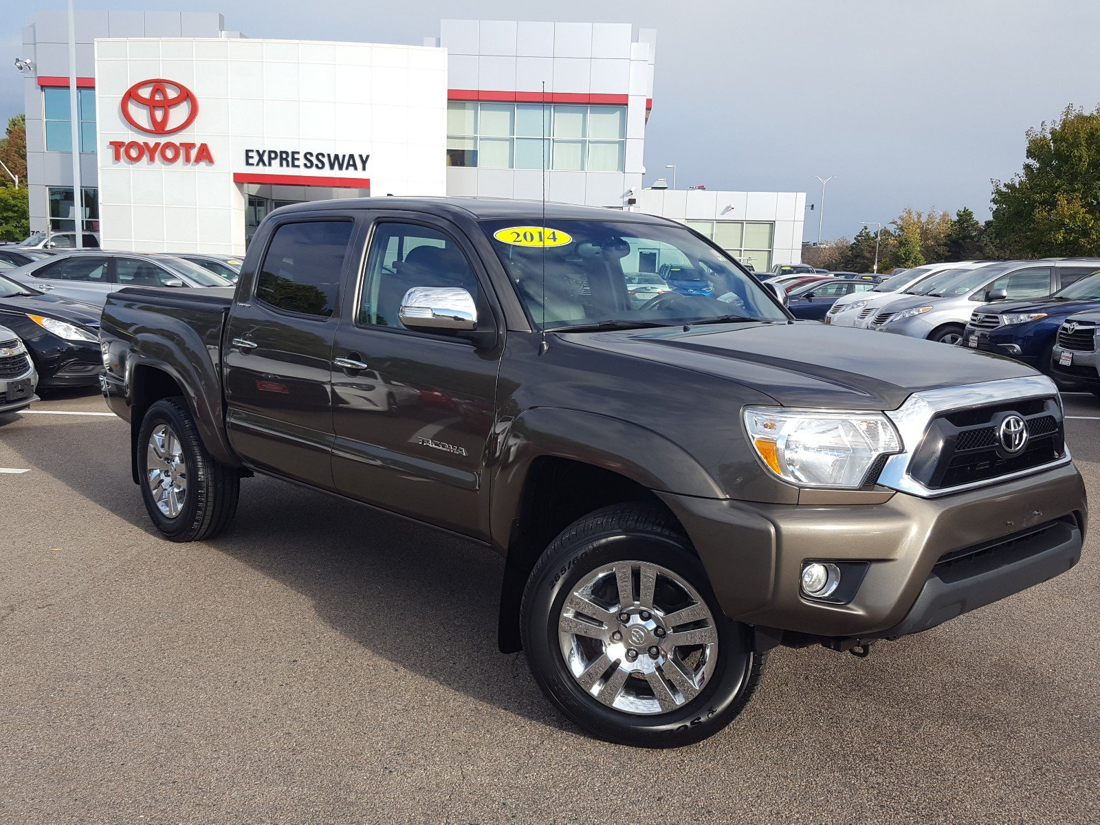 Pre Owned 2014 Toyota Ta a Limited Crew Cab Pickup in Boston