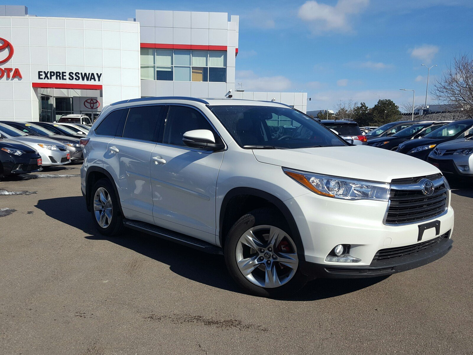 certified pre owned 2016 toyota highlander limited platinum v6 sport utility in boston 17660a. Black Bedroom Furniture Sets. Home Design Ideas