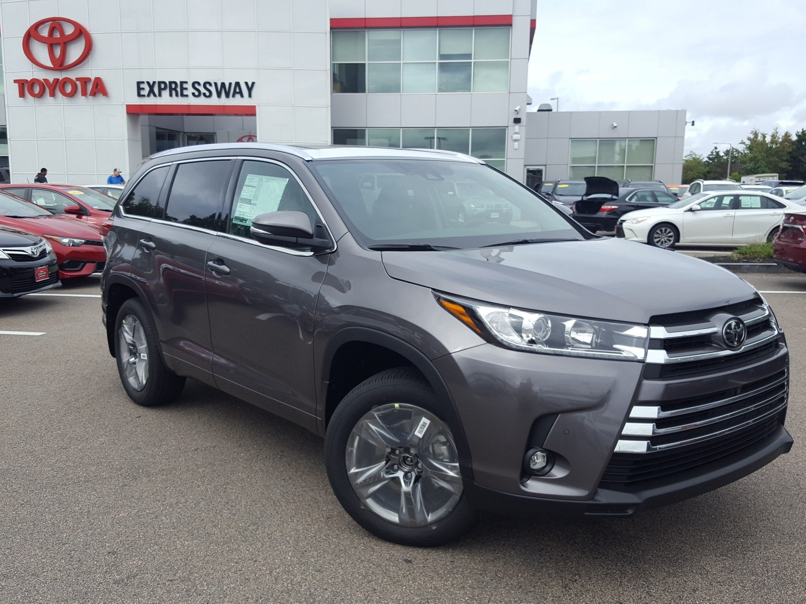 New 2019 Toyota Highlander Limited Platinum Sport Utility 48 529 In