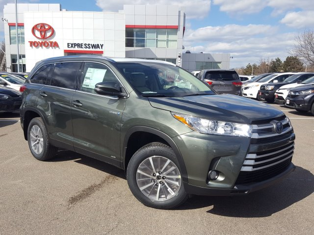 New 2019 Toyota Highlander Hybrid XLE With Navigation & AWD