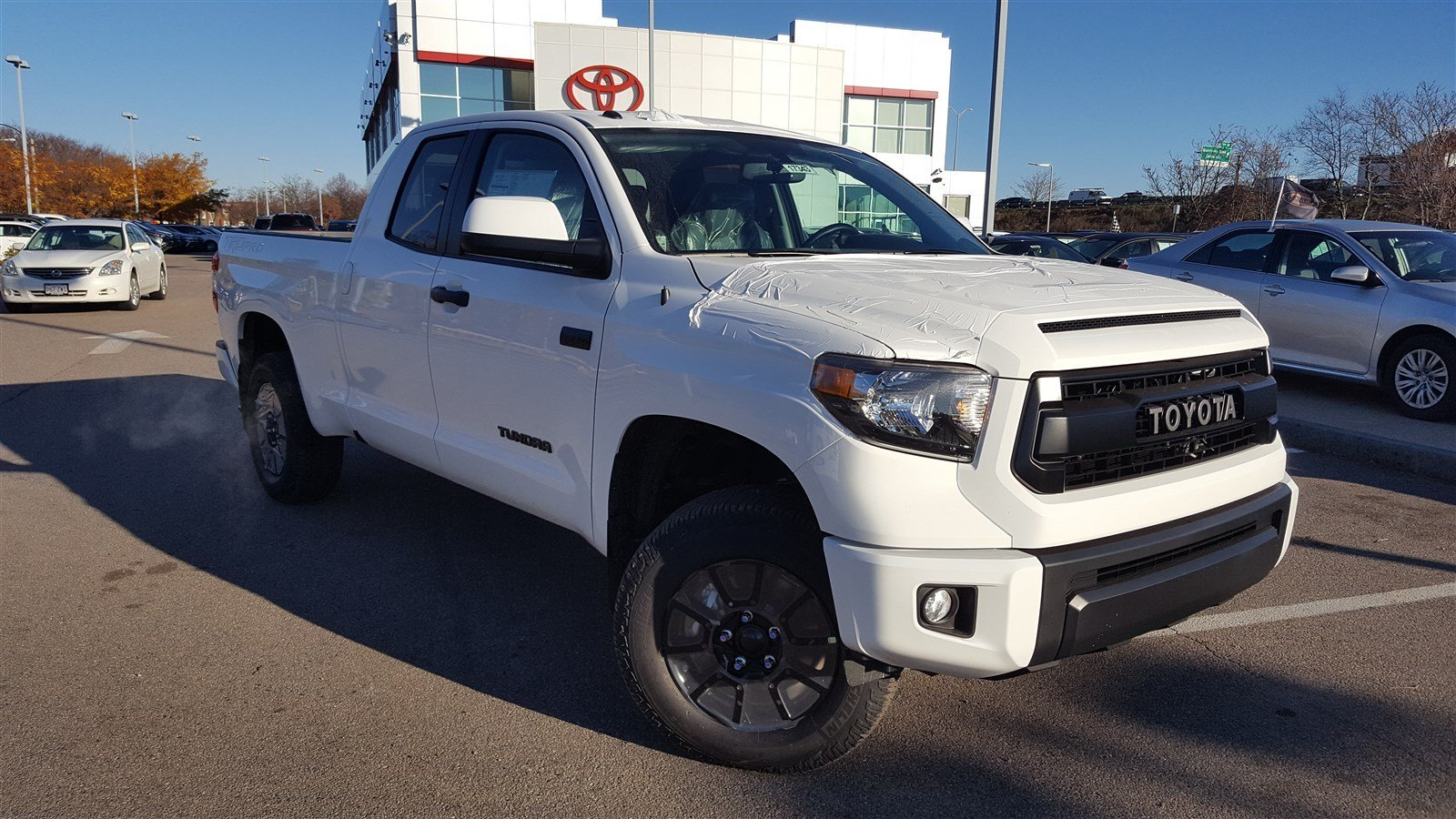 new 2017 toyota tundra 4wd trd pro crew cab pickup in boston 17343 expressway toyota. Black Bedroom Furniture Sets. Home Design Ideas