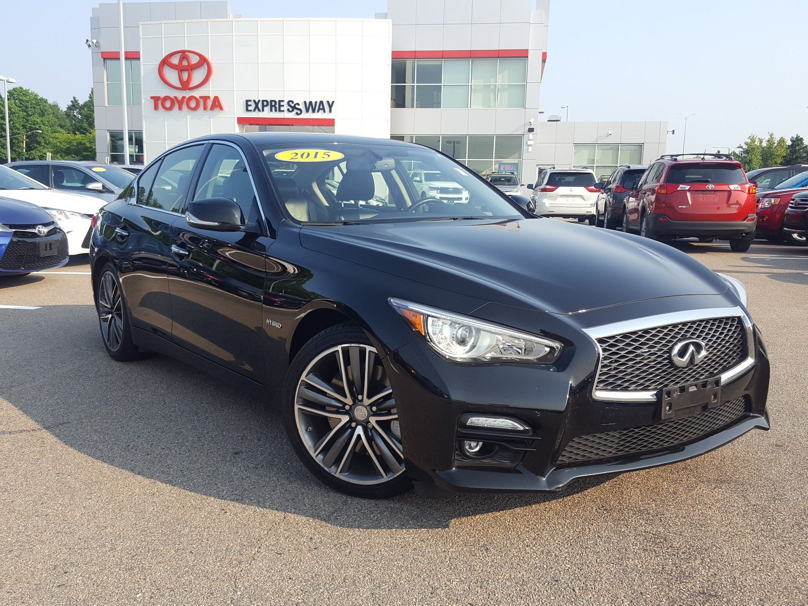 pre owned 2015 infiniti q50 hybrid sport 4dr car 33 558 in boston 21109a expressway toyota. Black Bedroom Furniture Sets. Home Design Ideas