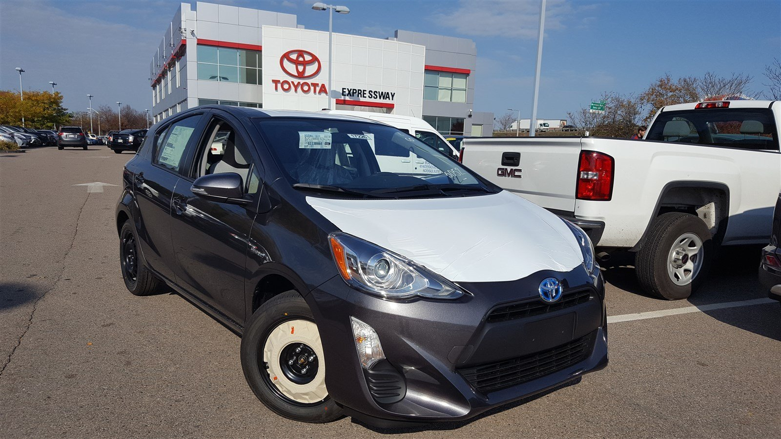 new 2016 toyota prius c one hatchback in boston 17226 expressway toyota. Black Bedroom Furniture Sets. Home Design Ideas