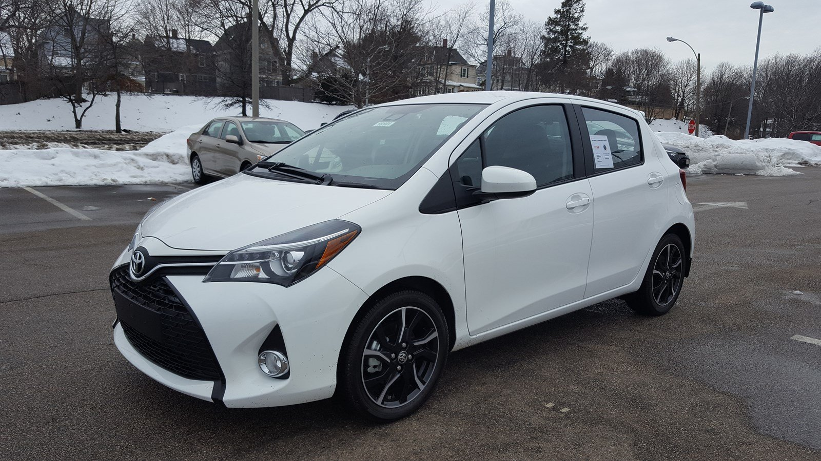 New 2017 Toyota Yaris Se 5dr Hatchback In Boston 18101